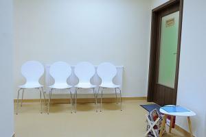 Sala asteptare cabinet terapie Vojta